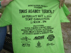 Tunes Against Turmoil 2 T-Shirt (Alliteration, man)