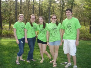 Judy Janansky, Beth Janansky, Brittany Richman, Amanda Zipf, and Colin Roinson donning their supportive Darfur shirts